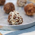 4 Ingredient Carob and Almond Energy Bites