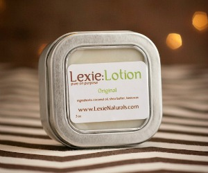 LexieNaturals Button